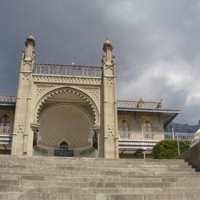 Южный фасад Алупкинского дворца