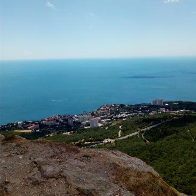 Вид с Красной скалы на Форосское побережье