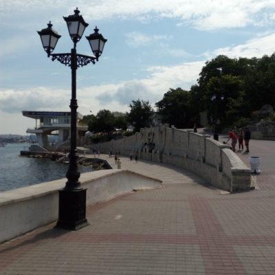 Набережная Приморского бульвара в Севастополе