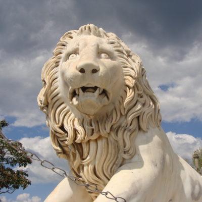 Львы Алупкинского дворца