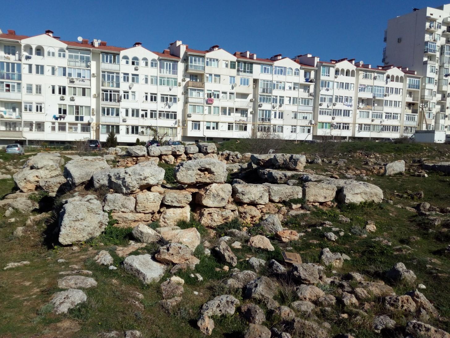 Усадьба и современная застройка Севастополя