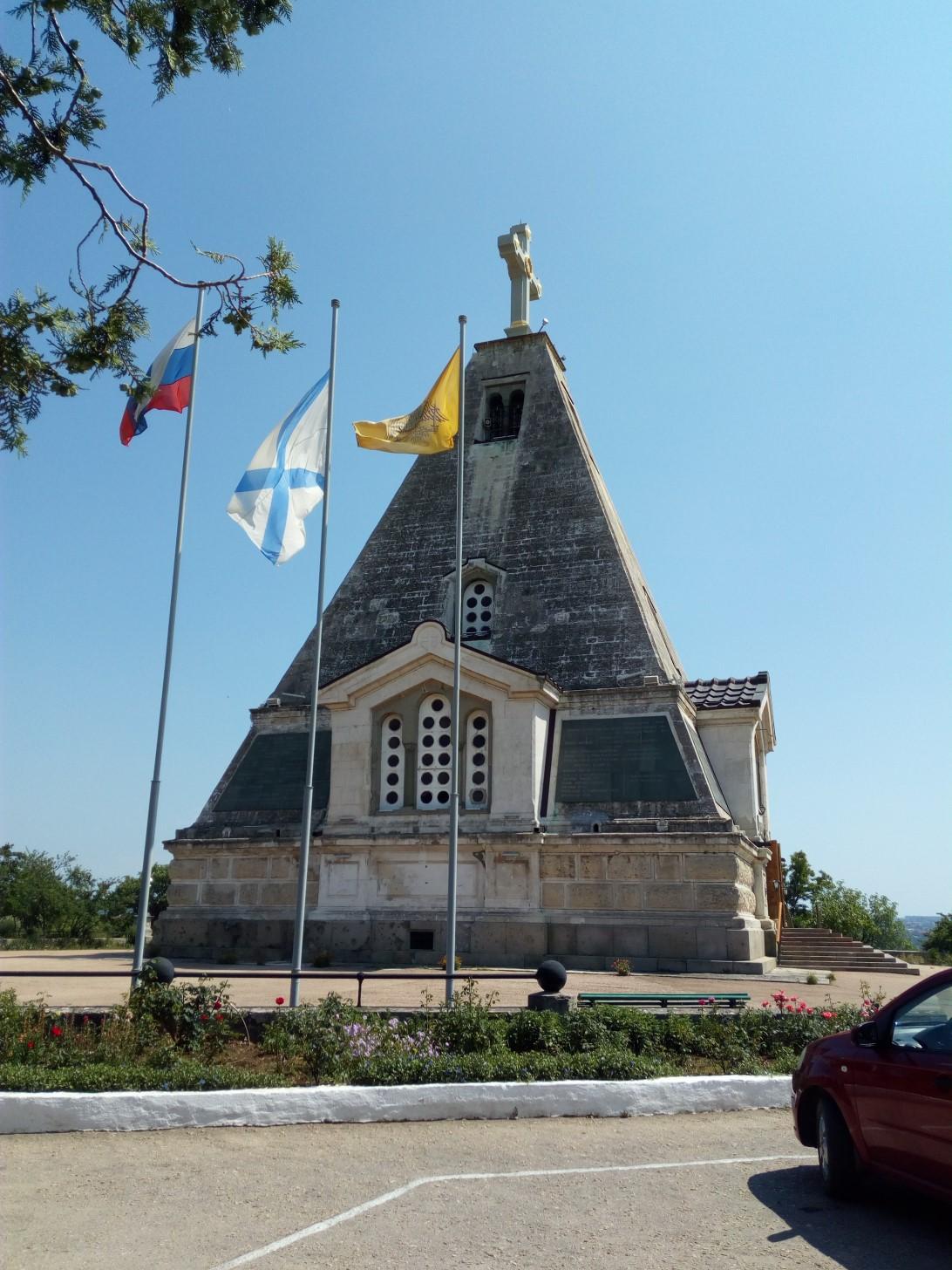 Храм Святого Николая на Братском кладбище Севастополя