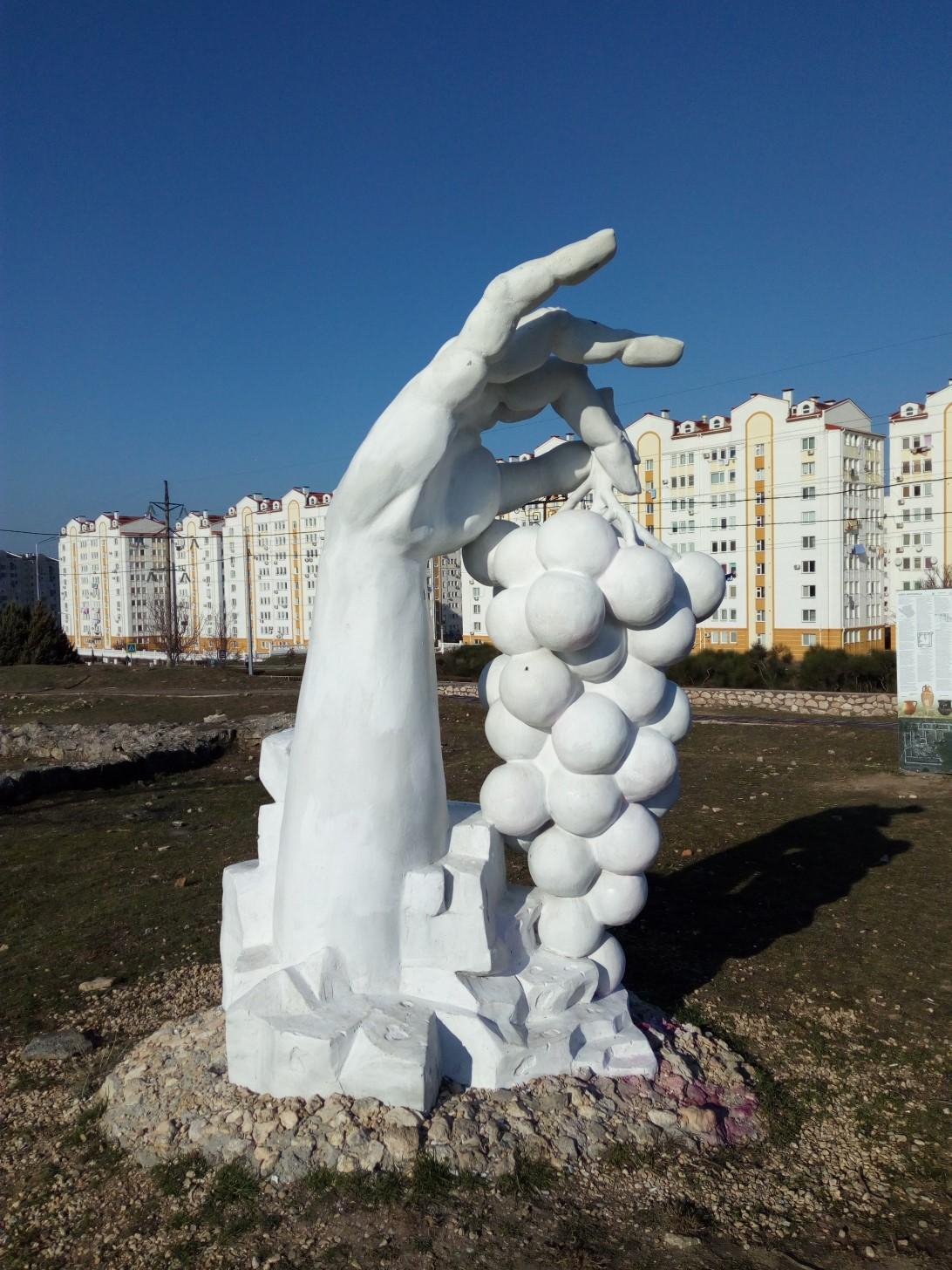 На месте античной усадьбы в Севастополе