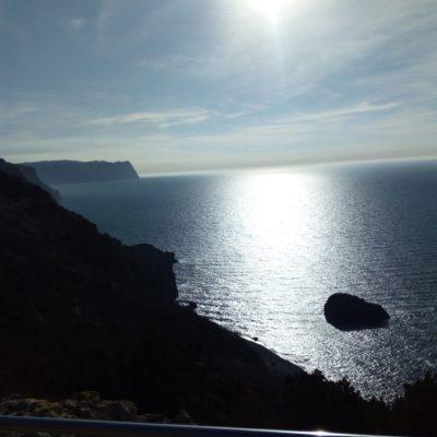 Вид на побережье с территории монастыря