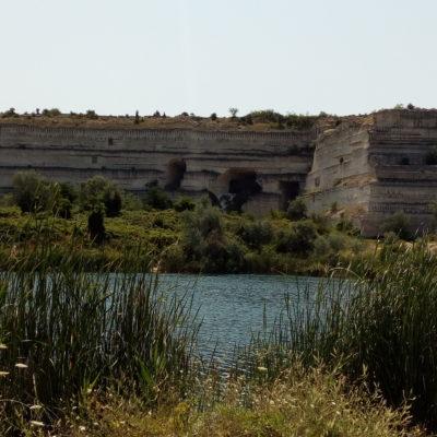 Озеро со святой водой в Инкермане