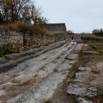 Древняя дорога на Чуфут-Кале