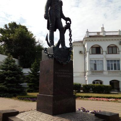 Памятник адмиралу Сенявину в Севастополе