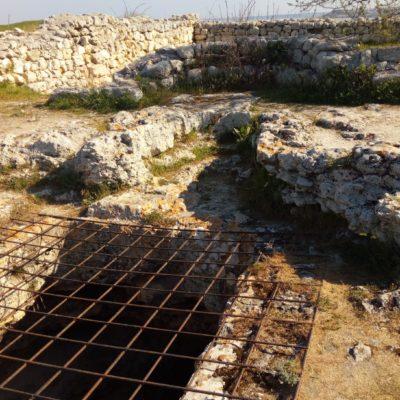 Апсида часовни над пещерным храмом