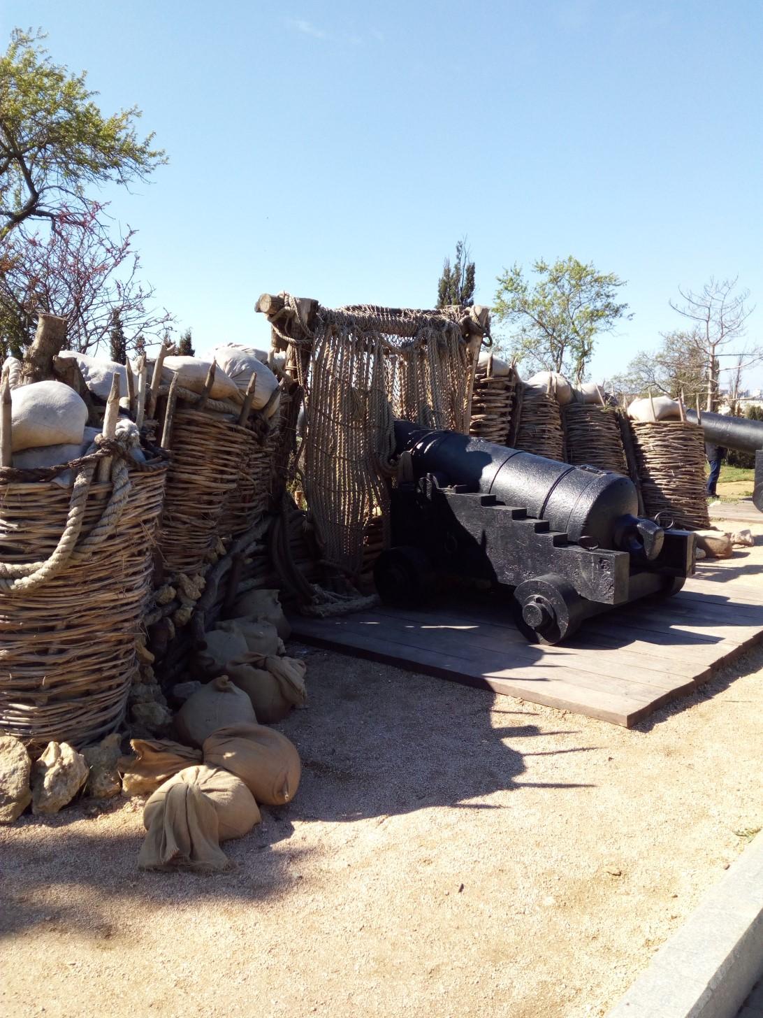 Реконструированный орудийный дворик
